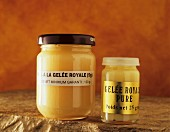 Royal jelly (secretion for feeding queen bees)