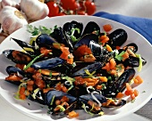 Cozze alla napoletana (Mussels with tomatoes, Italy)