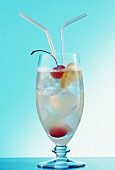 Tom Collins (long drink with gin and lemon juice)