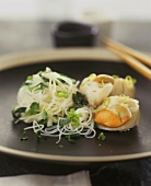 Rice noodles with herbs and scallops