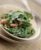 Pea and rocket salad with boiled ham