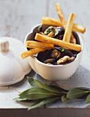 Belgische Spezialität: Miesmuscheln mit Pommes