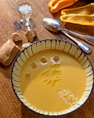 Crema di peperoni gialli (Yellow pepper cream soup, Italy)