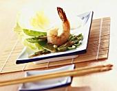 Mangetouts with shrimps