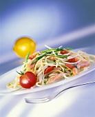 Spaghettini with salmon and leek sauce