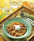 Mince stew with chick-peas and sour cream
