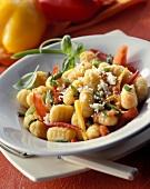 Gnocchi al ragú vegetale (Gnocchi with tomatoes & peppers)