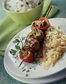 Fleischspiess mit Sauerkraut