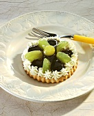 Cream cheese and grape tartlet
