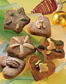 Filled gingerbread biscuits