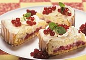 Redcurrant cake, three slices on a platter