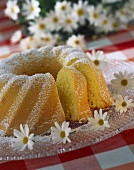 Gugelhupf with icing sugar