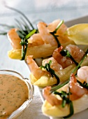 Chicory boats with shrimps and cocktail sauce