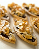 Pastry boats with mincemeat filling