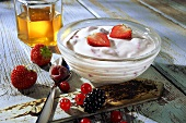 Low-fat quark with berries