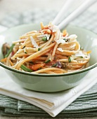 Wholemeal spaghetti with vegetables and tomato sauce
