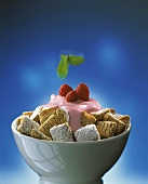 Cereal flakes with raspberry yoghurt