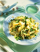 Pasta agli asparagi (Penne with asparagus and pine nuts)