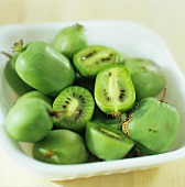 Mini-kiwis (kiwino) in a bowl