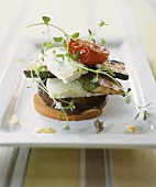 Grilled vegetables, sheep's cheese & thyme on zwieback