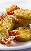 Fried green tomatoes with bacon