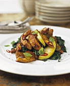 Spicy turkey breast with spinach and apple
