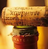 Eine Flasche Chateau Margaux Jahrgang 1990, mit Korken