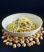 Linguine al pistacchio (Linguine with pistachio pesto)