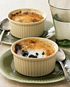 Quick blueberry and yoghurt crème brulee