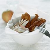 Chicken Wings mit Coleslaw (amerikanischer Weisskohlsalat)