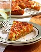Pumpkin tart with boiled ham, spring onions & cheese