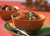 Saudi-arabische Lamm-Dattel-Suppe