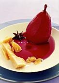 Rotweinbirne mit Käse und Sternanis