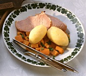 Motten & Klösse (carrots with smoked pork & dumplings, Hessen)