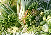 Green vegetables (rich in folic acid and calcium)