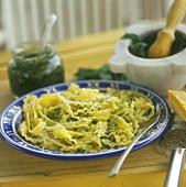 Malfalde verdi (Malfalde pasta with ramsons (wild garlic) pesto)