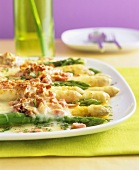 Asparagus gratin with ham