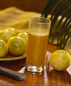 Jugo de parchita (passion fruit juice, Venezuela)