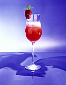 Aperol fragola (Aperol & gin drink with strawberry pulp)