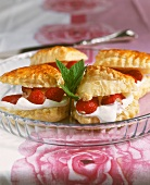 Puff pastry with mascarpone and strawberry filling