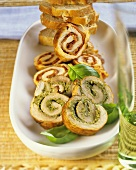 Escalope roulades with pesto (front) and with paprika salami