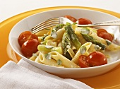 Penne with cream and green asparagus