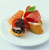 Crostini prosciutto e salame (Ham and salami crostini)