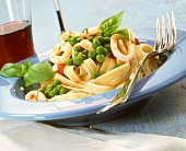 Fettuccine with cuttlefish and peas