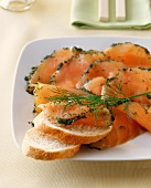 Gravlax with dill and white bread