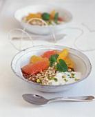 Orange and grapefruit muesli with pistachios