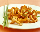Chanterelles in thyme vinaigrette with chives