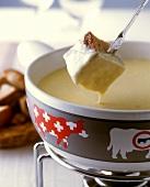 Neuenburger cheese fondue