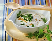 Yoghurt sauce with sesame and parsley