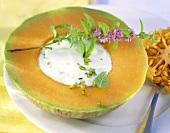 Melon with pistachio cream